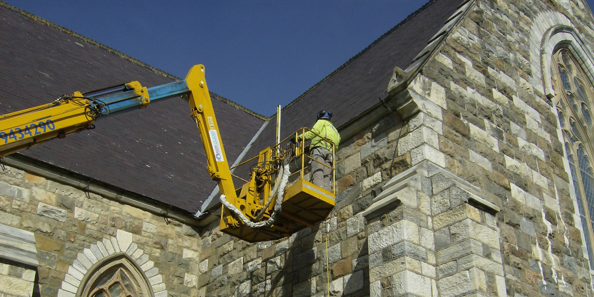 Cherry-Picker-for-Hire-Mayo,-Galway,-Sligo,-Roscommon-Ireland
