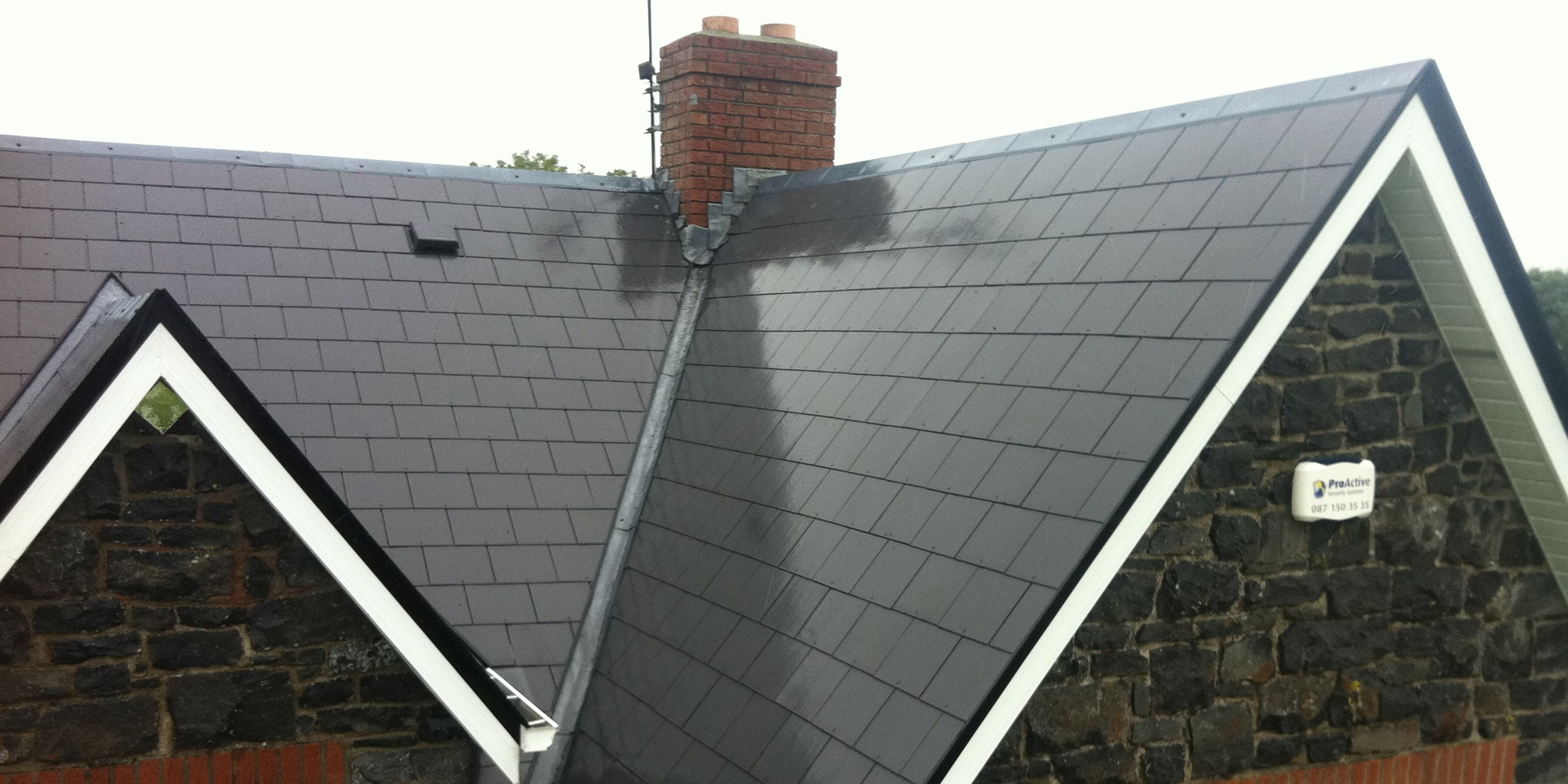 Professional-roof-cleaning-services-in-Mayo,-Sligo,-Roscommon,-Galway-Ireland