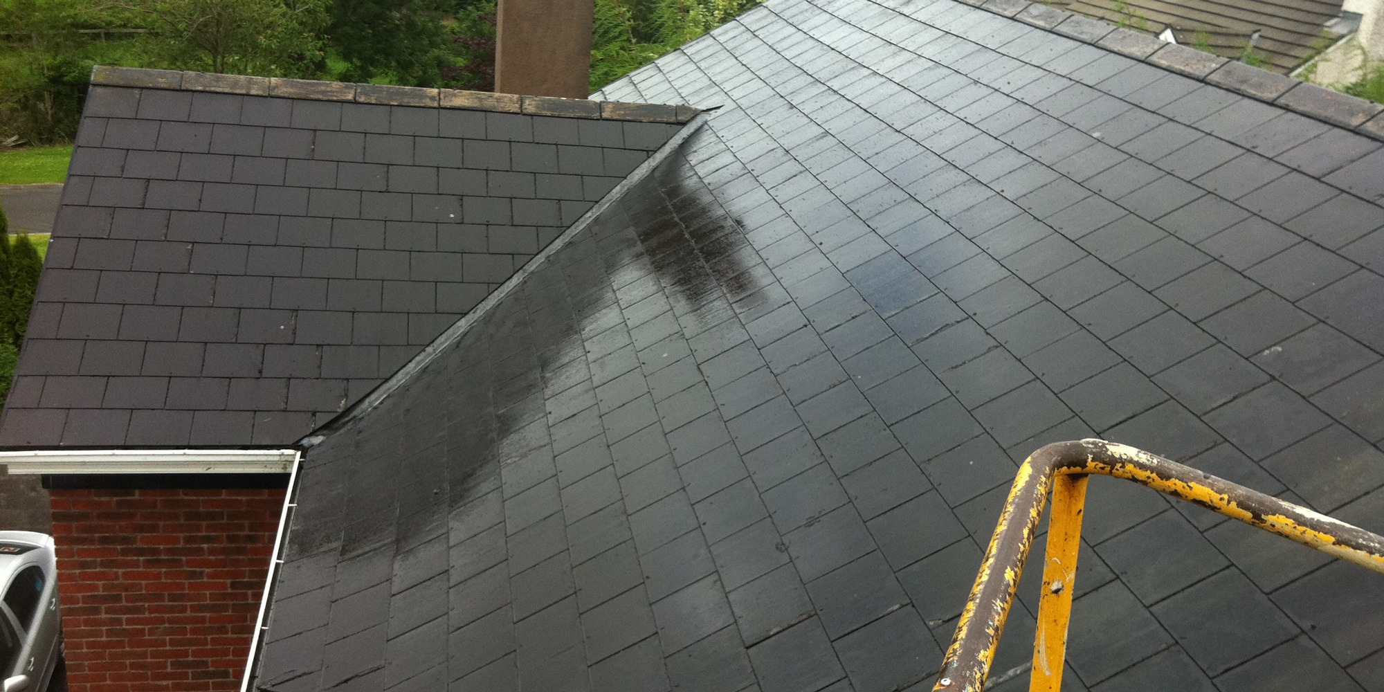 Roof-cleaning-services-in-Mayo,-Sligo,-Roscommon,-Galway-Ireland
